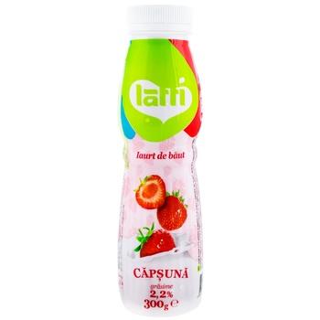 Йогурт питьевой Latti с клубникой 300г - купить, цены на Метро - фото 1